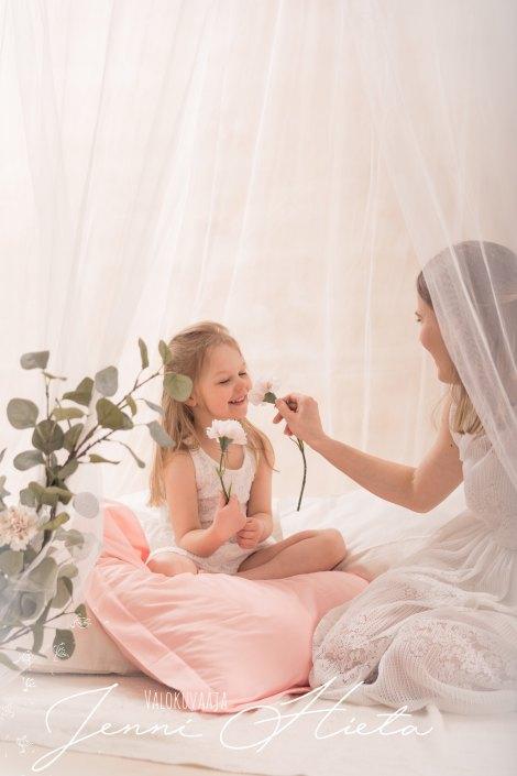 perhekuvaus, äiti- lapsikuvaus, teemakuvaus, minikuvaus, äitienpäiväkuvaus, Äiti ja Minä - kuvaus